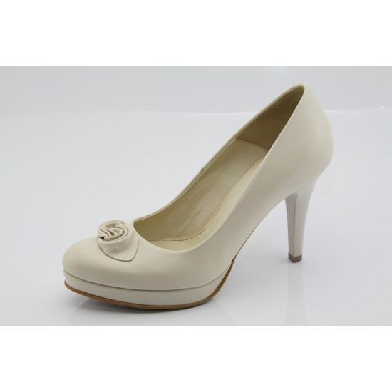 Ekrü esküvői, menyasszonyi cipő Sara
